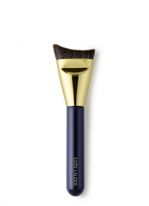 Estee Lauder's new Sculpting Foundation Brush is a short hair brush with a unique sickle-like toe shape.