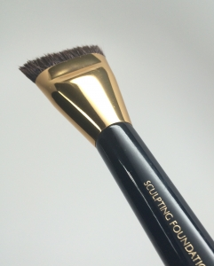 Excellent fit and finish on Estee Lauder's Sculpting Foundation Brush