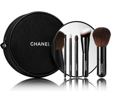 LES MINIS DE CHANEL Mini Brush Set, $125.
